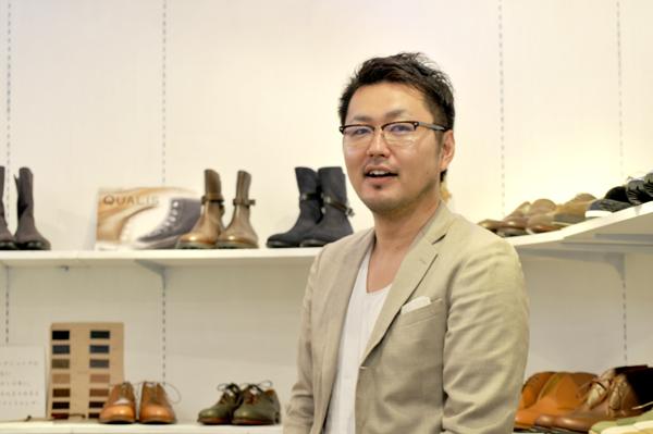 写真:代表取締役 中川宏明さん Verb Creationショールームにて