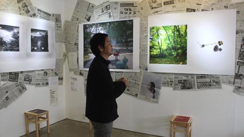写真家・RPS所長の後藤勝さん。展示作品について説明してくださいました。