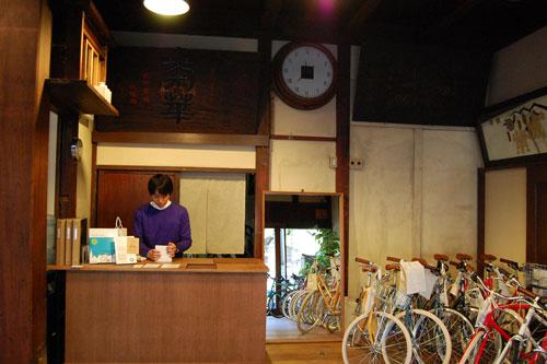 写真:tokyobike gallery 谷中(店内)
