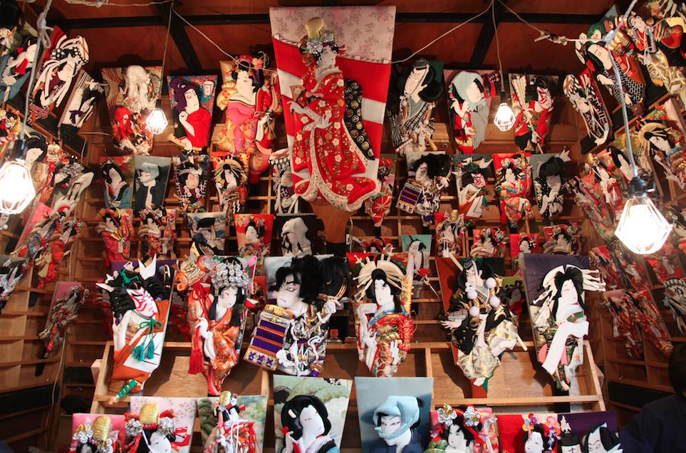 (写真:江戸から続く「押絵羽子板」は昭和60年に東京都の伝統工芸品に指定されました)
