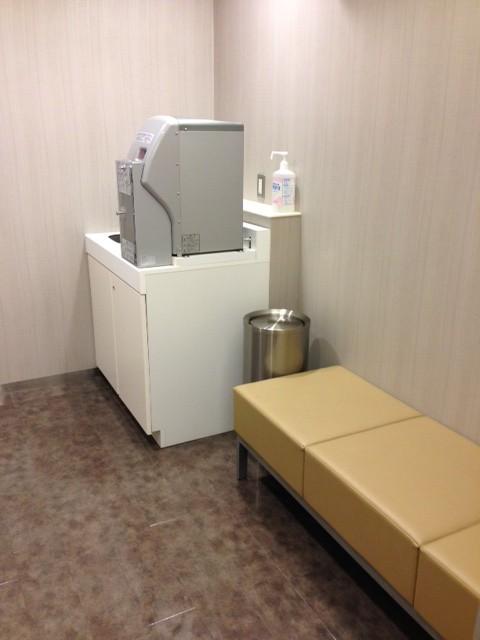 授乳室はいってすぐには給湯器もあります。