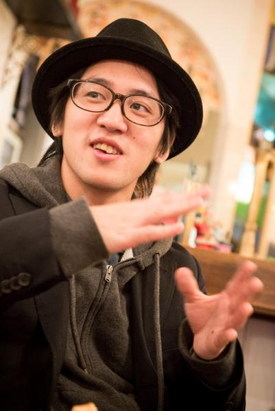 gt&voの古川麦さん。メンバーからの印象は、「お茶目で優しい人!」(権頭さん)「親類に文化人が多く、話が面白いです」(佐藤さん)