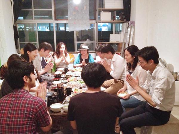定期的に皆で食事会が開かれる3階「社員食堂」。多くの交流が生まれている