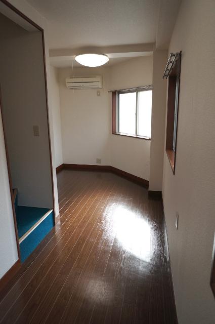 2階の様子。各フロアにエアコンが1基あります。