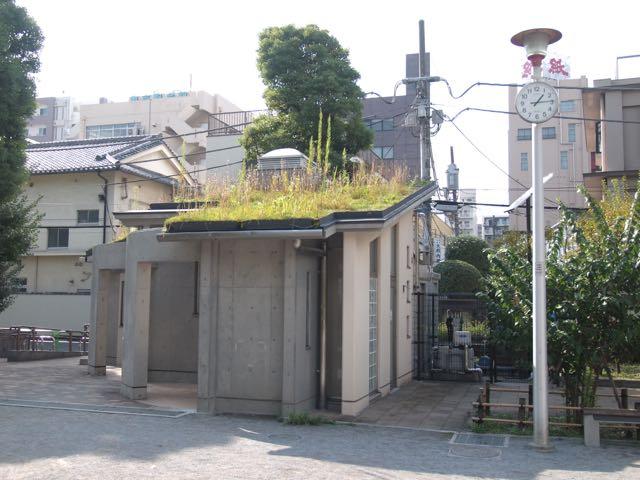 精華公園のトイレ